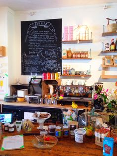Places To Be: Lavinia Good Food op de Kerkstraat 176 Amsterdam Bistro Restaurant, Cafe Bistro, My Coffee, Coffee Shop, Living In Amsterdam, Good Food, Yummy Food, Healthy Options, Healthy Lifestyle