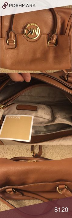 Michael kors purse great condition! Just have too many similar to it Michael Kors Bags Shoulder Bags