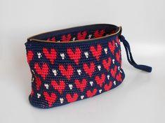 Hearts Clutch Crochet Pattern