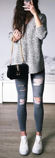 I don't like the purse but the rest of the outfit is too cute. #rippedjeans #sweaterweather #fall