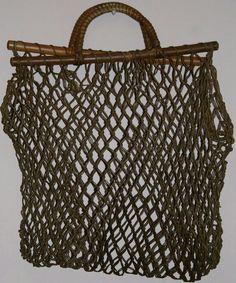 Crochet net rope beach bag handbag tote wooden by prettyoddwonders My Bags, Purses And Bags, Mode Crochet, Net Bag, Macrame Bag, Basket Bag, Beautiful Bags, Beautiful Life, Knitted Bags