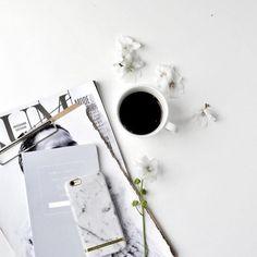 Morning coffee. #dontspill #makelines (via @whitelivingetc)