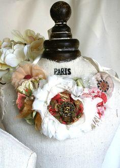 Novia collar Floral declaración boda Vintage por rosyposydesigns