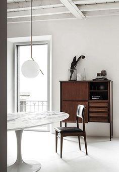 Mid century rustic (Desire To Inspire) Mid Century Rustic, Room Interior Design, Interior Decorating, Milan Apartment, Wall Design, House Design, Interior Minimalista, Simple Furniture, Minimalist Interior