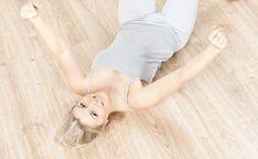 Få 8 nemme og sjove øvelser, som gavner din sundhed, næsten uden du lægger mærke til det...