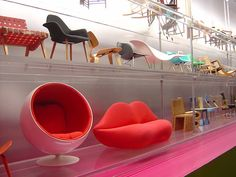 Cute miniature mid-century chairs. Probably Vitra 1/12 scale.