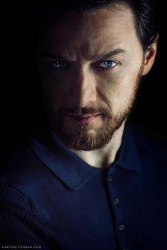 James McAvoy as Eoin Cailean Sinclair. Figlio di John e Jane Sinclair. Ennas come la madre. In forma animale è un orso.