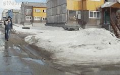 Gotta watch where you're walking in Russia