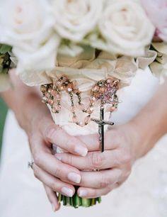 wonderful idea for the rosary!! TOO bad I am agnostic and wont have a catholic wedding!