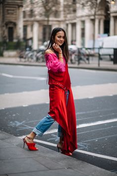 London Fashion Week Street Style photos by Michaela Efford London Fashion, Fashion Photo, Wrap Dress, Street Style, Photo And Video, Photos, Photography, Instagram, Dresses