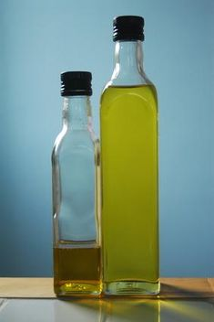 The Benefits that Castor Oil & Olive Oil has on your hair. The Benefits that Castor Oil & Olive Oil has on your hair. Related posts: Benefits Of Castor Oil For Hair And Skin How To Soften Leather, Scalp Moisturizer, Homemade Moisturizer, Castor Oil Benefits, Olive Oil Hair, Olive Oils, Healthy Oils, Hair Remedies, Thing 1