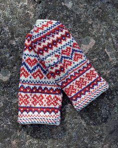 Ravelry: Enontekiön lapaset pattern by Anna-Karoliina Tetri Fingerless Mittens, Knit Mittens, Knitted Gloves, Fair Isle Knitting, Hand Knitting, Knitting Patterns, Sampler Quilts, Fabric Yarn, Knitted Headband