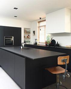 - Hundred Ninety (@hundred.ninety) op Instagram Kitchen Interior, Interior Design Living Room, Kitchen Design, Kitchen Ideas, Living Room Kitchen, Custom Wood, Home Kitchens, Dream Kitchens, Dining