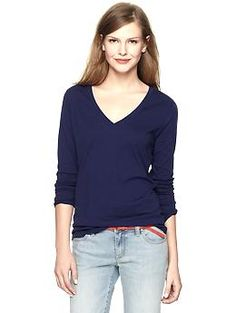 Essential long-sleeve V-neck T