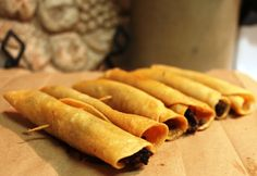 "How to make Mexican Beef crispy taquitos 'Flautas"" / Como hacer taquitos dorados ""flautas"" mexicanas"