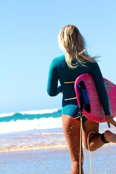 super cute surf style / teal suit / pink board