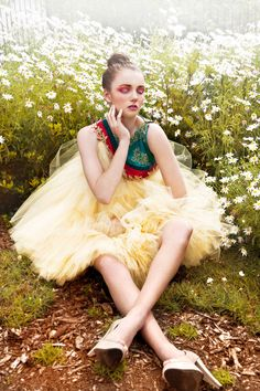 Fashion pictures or video of Le Jardin Secret by Katriena Emmanuel for f. in the fashion photography channel 'Photo Shoots'. Photography Women, Editorial Photography, Fashion Photography, Fashion Corner, Vogue, Flower Fashion, Mellow Yellow, Couture Dresses, Fashion Pictures