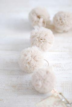 * pompom white