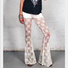"""⚡️Sale⚡️White Gypsan lace bell bottoms Worn once. Long and great for tall girls. Model in pic is 5'11"""". Partially lined. Gypsan Pants Boot Cut & Flare"""