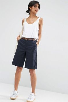 Dear Stitch Fix: I love that these shorts aren't too tight -- so many of the Bermuda shorts I see look like cropped skinny jeans, which seems super uncomfortable. Bermuda Shorts Outfit, Summer Shorts Outfits, Shorts Outfits Women, Blazer And Shorts, Crop Top Outfits, Short Outfits, Dressy Outfits, Boy Shorts, Bermuda Shorts Women