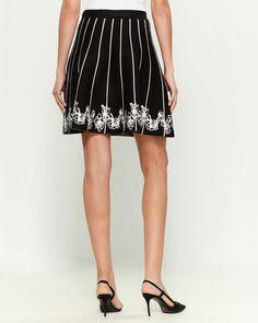 Knit Flare Knee Length Skirt Fit And Flare Skirt, Zig Zag Pattern, Size Model, Female Models, Knitting, Lady, Skirts, Fashion, Moda