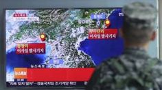 South Korean marine watches a TV reports about the quake, Seoul (9 Sept 2016)