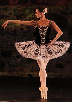 "Anastasia Matvienko Анастасия Матвиенко (Mariinsky Ballet), ""Don Quixote"" (pdd), 2013 Dance Open Ballet Festival, Savonlinna, Finland - Photographer Stas Levshin"
