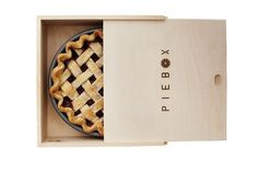 PieBox™. PIe Boxes and Cake Boxes for transport. Pie box for $35 from www.piebox.com