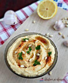 Hummus din conopidă. Pate din conopidă cu năut, pastă de susan (tahini) și usturoi. Rețetă de post.Rețetă vegan. Pate vegetal. Pate de post. Good Healthy Recipes, Healthy Cooking, Baby Food Recipes, Vegetarian Recipes, Healthy Eating, Cooking Recipes, Vegan Foods, Vegan Dishes, Good Food