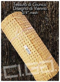 """Tessuto di giunco disegno di vienna 3/4"""" mesh - Ci.Ga. Import / Export s.r.l. importa e commercializza materie prime di alta qualità: tessuto di vienna, trafilato di giunco, canne di bamboo, radici, cresh, salice, midollino di giunco, manao,malacca, manila, vimini, erba palustre, cordoncino cinese e filati in carta cellulosa di ogni genere."""