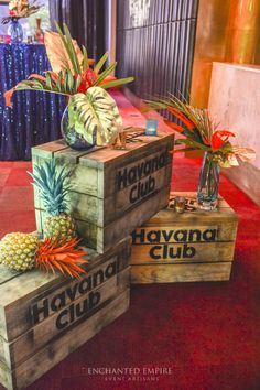 pineapples with painted tops are super easy to do and festive Havanna Nights Party, Havanna Party, Miami Party, Luau Party, Havana Nights Party Theme, Cigar Party, Salsa Party, Caribbean Party, Little Havana