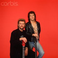 Chris Squire and Trevor Rabin were very close friends and often described themselves as brothers. Jon mentioned Chris during the gig ~ and all of us roared with love and ardor. We miss our God of Thunder.