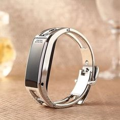 Hey friends, This can be a site which gives every one of us data on Smart Metalic Bracelet. You have the capacity to this look at for more detail about (Smart Metalic Bracelet) just visit http://www.ismartwatchshop.com/smart-band/10008. This site is normally real and fabulous too. This site is extremely useful for everybody.