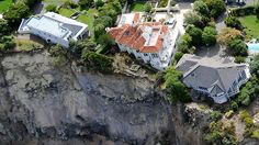 some of the dress circle homes atop the Redcliffs cliffs