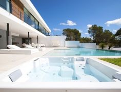 Ibiza Island - A newly built , ultra modern villa located within an exclusive, security gated urbanization in Vista Alegre on the highly desirable South Coast of Ibiza. This truly stunning villa has been finished to the very exacting, high quality requirements of its current owners. Exceptionally high quality fittings have been selected throughout including professional standard ´Viking´ kitchen appliances to impress even a world leading chef.