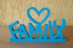 Family  Palavra decorativa super divertida e original. Linda peça para decorar a casa ou mesmo presentear e fazer o maior sucesso.  Fazemos em outras cores. R$ 40,00
