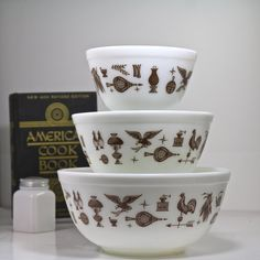 Pyrex Early American nesting bowls x 3 by Hallingtons on Etsy