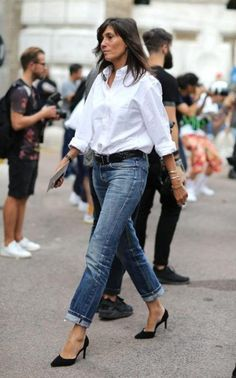 French editor emmanuelle alt white button down shirt, white shirt and jeans, white shirts Mode Outfits, Casual Outfits, Fashion Outfits, Womens Fashion, Fashion Clothes, Women's Clothes, Clothes Shops, Style Clothes, Clothing Stores