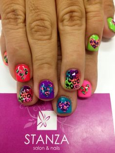 #stanzasalon #nailart #gelish #animalprint #neon
