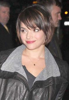 Short-Haircuts-with-Side-Swept-Layered-Bangs.jpg 500×729 pixels