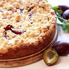Švestkový koláč s drobenkou Pie, Desserts, Food, Torte, Tailgate Desserts, Cake, Deserts, Fruit Cakes, Essen