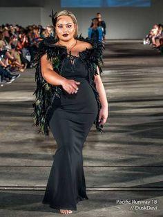 Maori and Pacifika Korowai for sale Maori Designs, Polynesian Designs, Flax Weaving, Flax Flowers, The Pleiades, New Zealand Art, Wearable Art, Special Events, Wedding Gowns