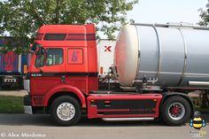 Old Mercedes, Mercedes Benz Trucks, Busses, Custom Trucks, Big Trucks, Sick, Old Trucks, Classic Cars, Old Photos