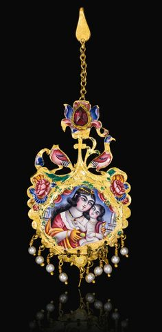 Persia | Qajar gold and enamelled earring | 19th century | Est. 3'000 - 5'000£ ~ (Sept '14)