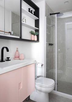 Bathroom Decor with Pink Vintage Memorabilia Home Room Design, Bathroom Interior Design, House Design, Dream Bathrooms, Small Bathroom, Room Ideas Bedroom, Bedroom Decor, Comfort Room, Cute Wall Decor