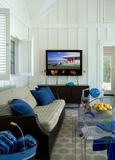 House of Turquoise- pool house House Of Turquoise, Turquoise Walls, Interior Shutters, Elegant Living Room, Boston, Board And Batten, Traditional Bedroom, Home Trends, Wall Treatments