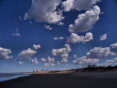 Nubes Sobre Playa de los Patos | Clouds over Playa de los Patos, Necochea, Argentina