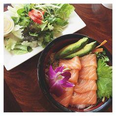 sashimi salad avocados