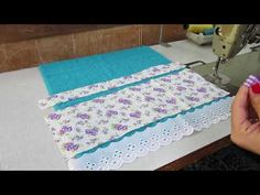 Jogo para Banheiro 🌷 Feito com Toalhas - DIY #7 Jaqui todo dia Setembro - YouTube Sewing Tutorials, Sewing Projects, Creation Couture, Bathroom Towels, Little Bag, Sewing Techniques, Gift Baskets, Cool Kitchens, Diy And Crafts
