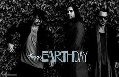 "Happy #EarthDay! Do something ""green"" today"